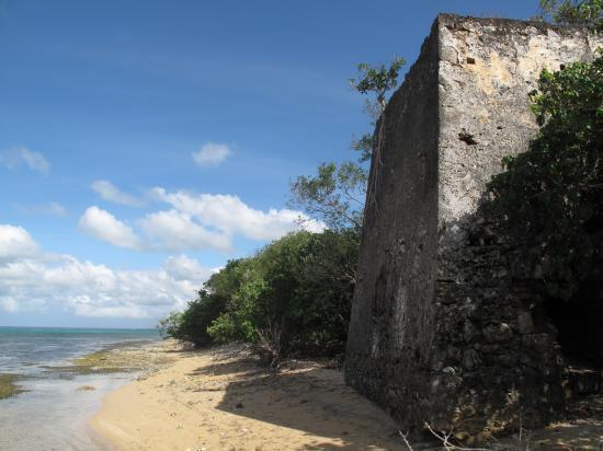 Bâtiment sur plage